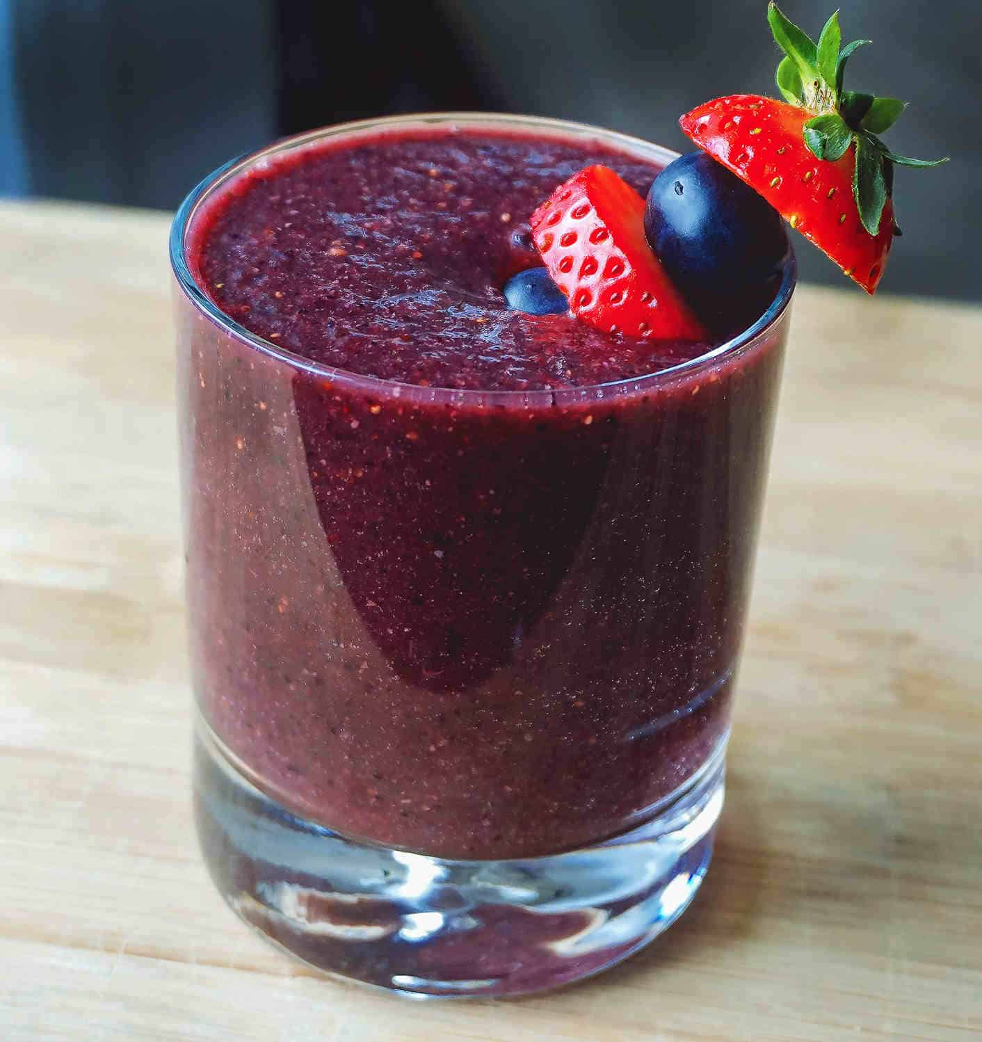 Dairy Free Smoothie Recipe With Berries and Peach