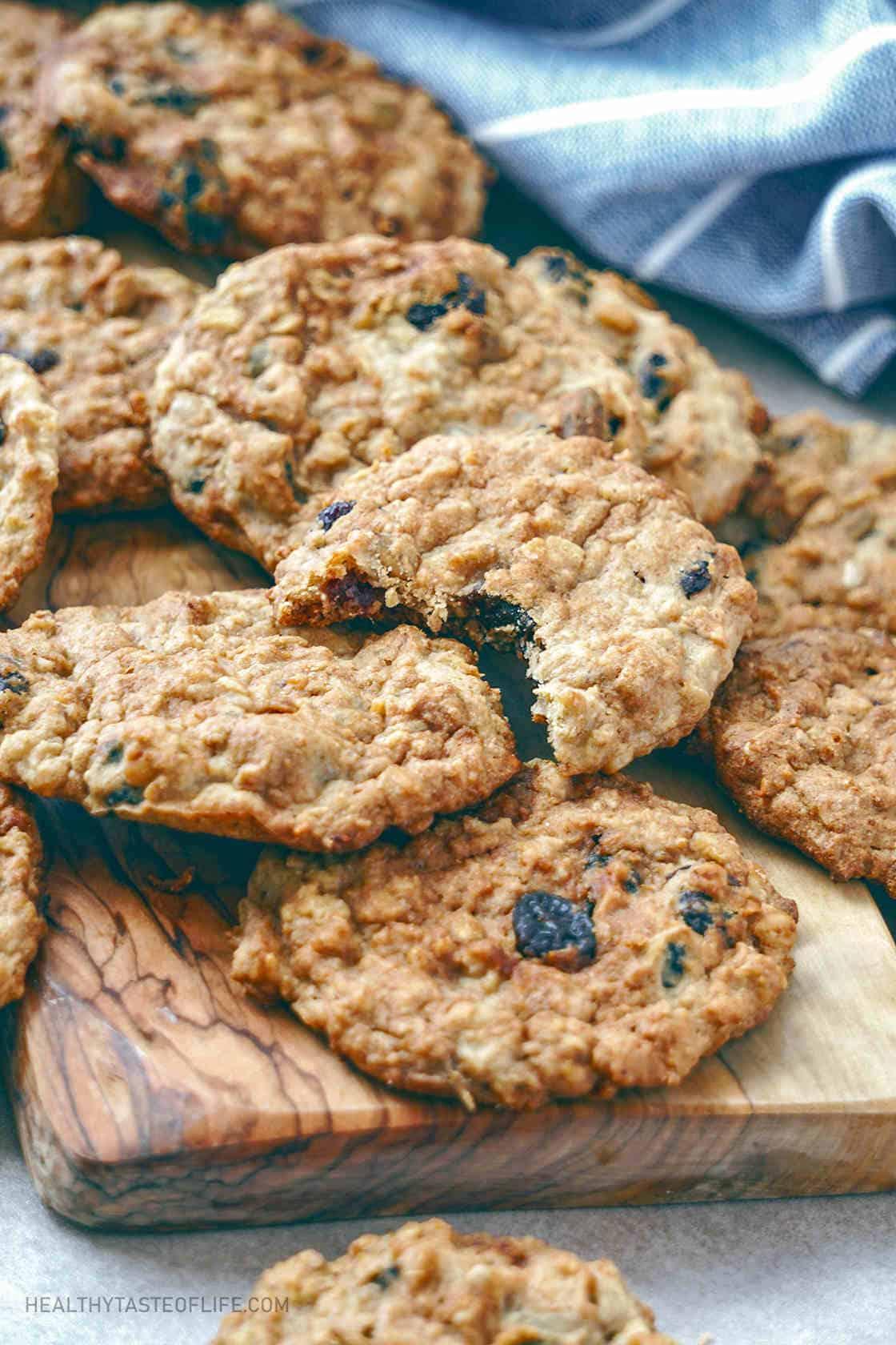 Healthy oatmeal cookies vegan gluten free with applesauce.