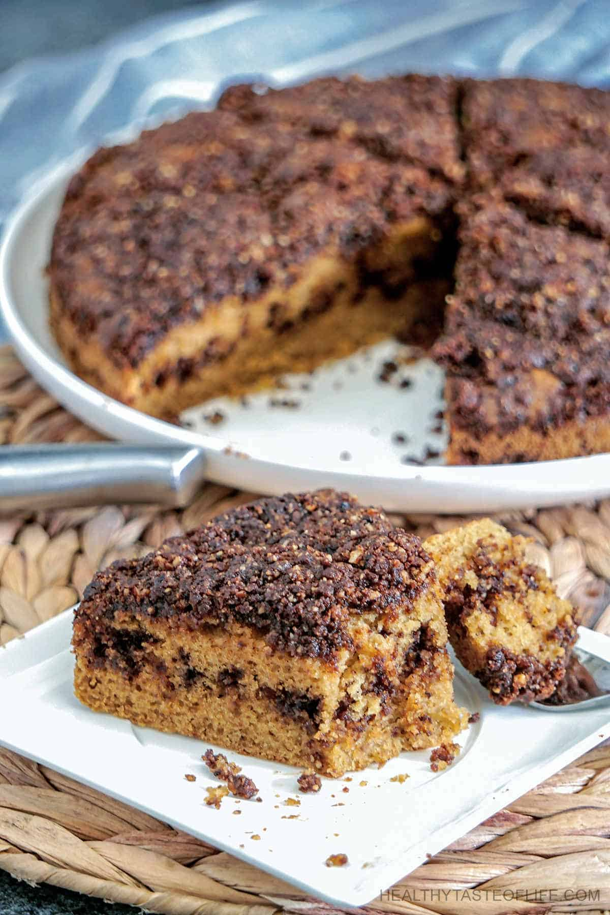 A soft gluten free coffee cake with coffee, cinnamon and walnut topping (streusel) and middle layer. This easy cinnamon streusel coffee cake is ready in 1 hour and tastes great for several days, freezer friendly too. #glutenfreecoffeecake #easy #healthy #coffeecake #glutenfree