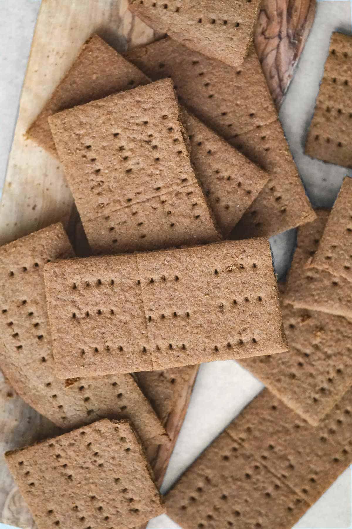 Gluten free cinnamon crackers, gluten free graham crackers, vegan graham crackers