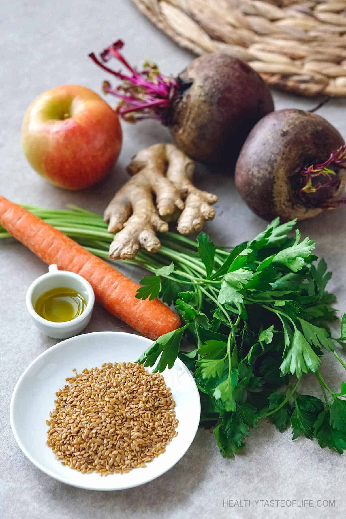 The best ingredients for a liver detox smoothie, cleanse your liver and colon with real whole foods #liverdetox #detoxsmoothie #vegetablesmoothie