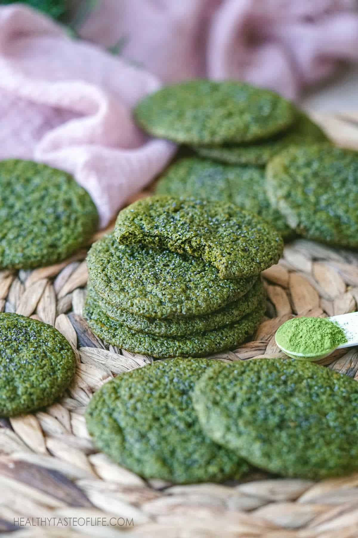 Healthy Vegan Matcha Cookies Recipe - Gluten Free Matcha Sugar Cookies With Oatmeal. Make matcha cookies from scratch with healthier ingredients: chewy inside, crisp on the outside: a healthy matcha dessert for your cup of tea #matchacookies #vegan #healthycookies #healthyoatmealcookies #glutenfreecookies #healthysugarcookies