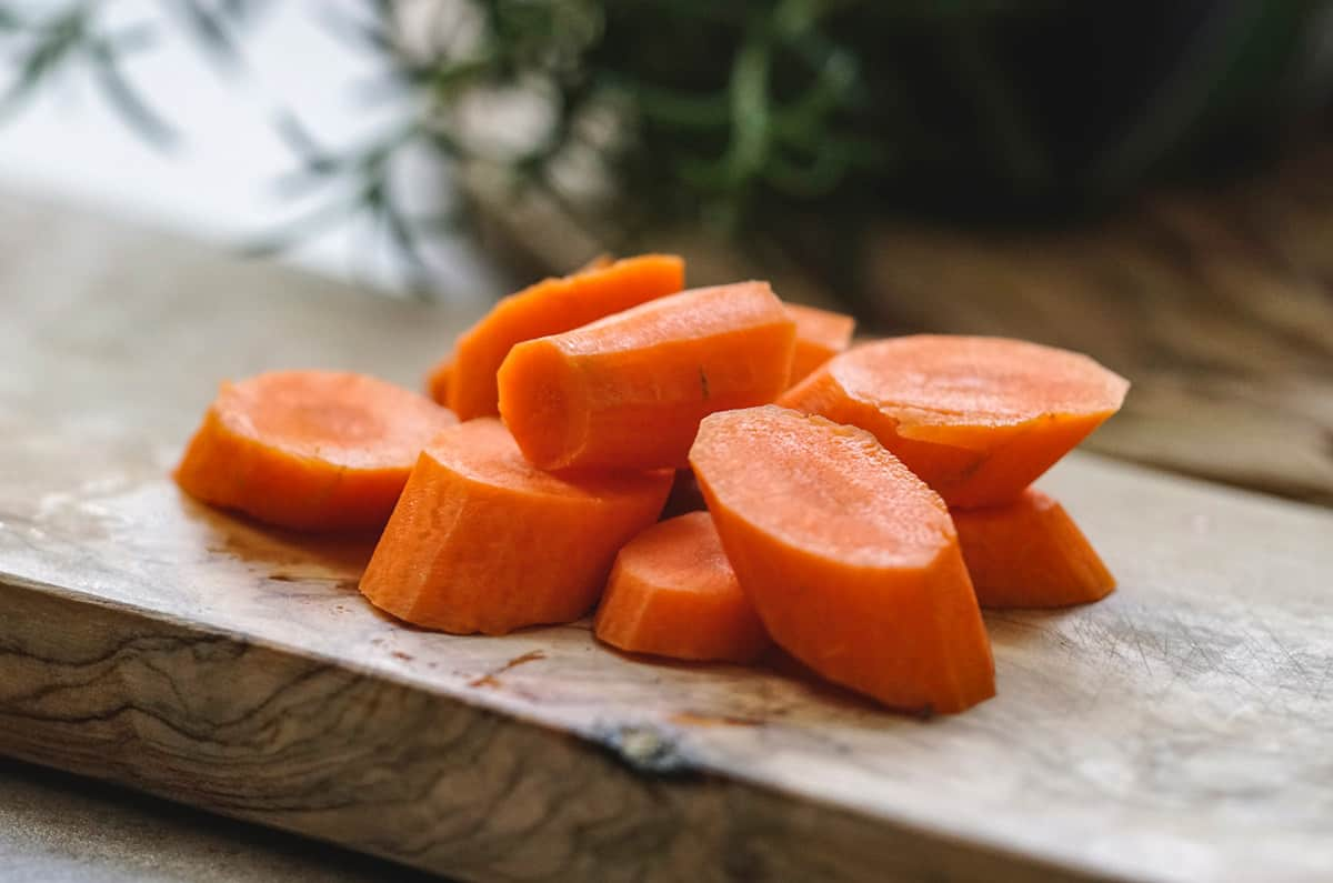 Sliced carrots for smoothie