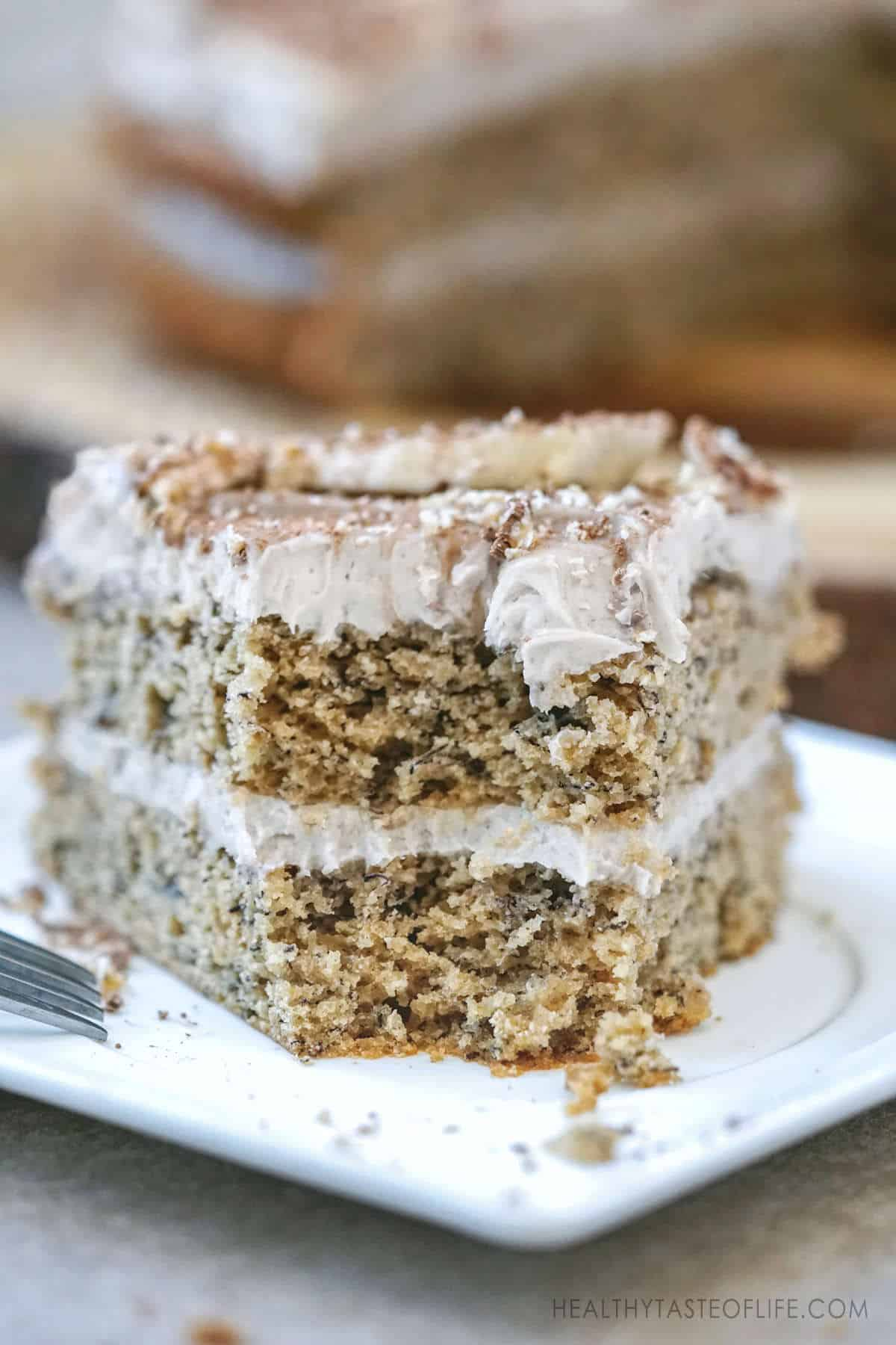 Gluten free dairy free banana cake recipe. Moist gluten free banana cake with dairy free frosting and without refined sugar free (with a few replacements). Healthy gluten free #bananacake